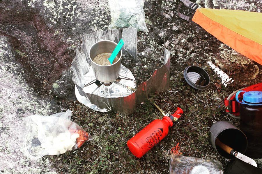 Recette camping|rando: Couscous méditerranéen, chorizo, épinard et cheddar fort