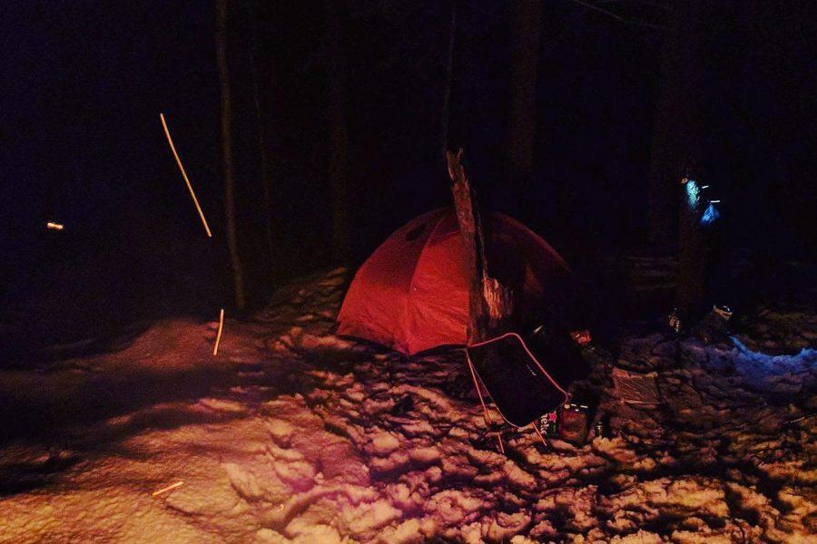 Le camping d'hiver, c'est comme dormir sur de l'argent.