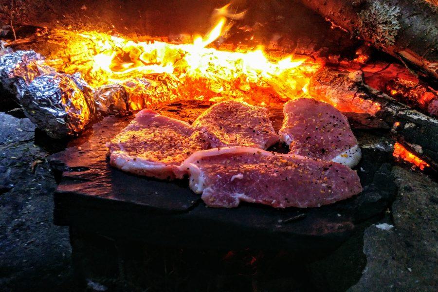 Recette camping: Cuisson sur pierre chaude!