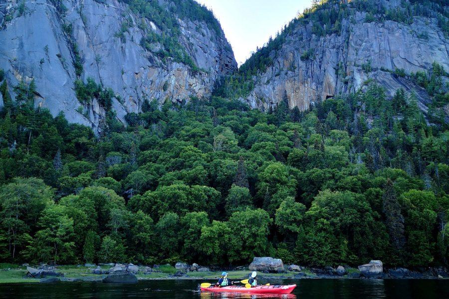 En l'air, sur la mer ou par la terre : Le Fjord du Saguenay